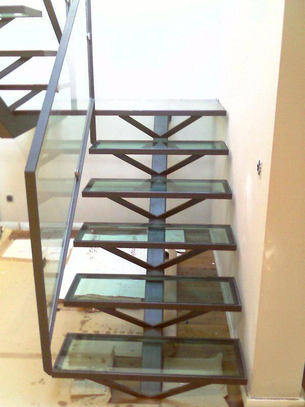 escalier en fer a aubagne ferronnerie devey. Black Bedroom Furniture Sets. Home Design Ideas