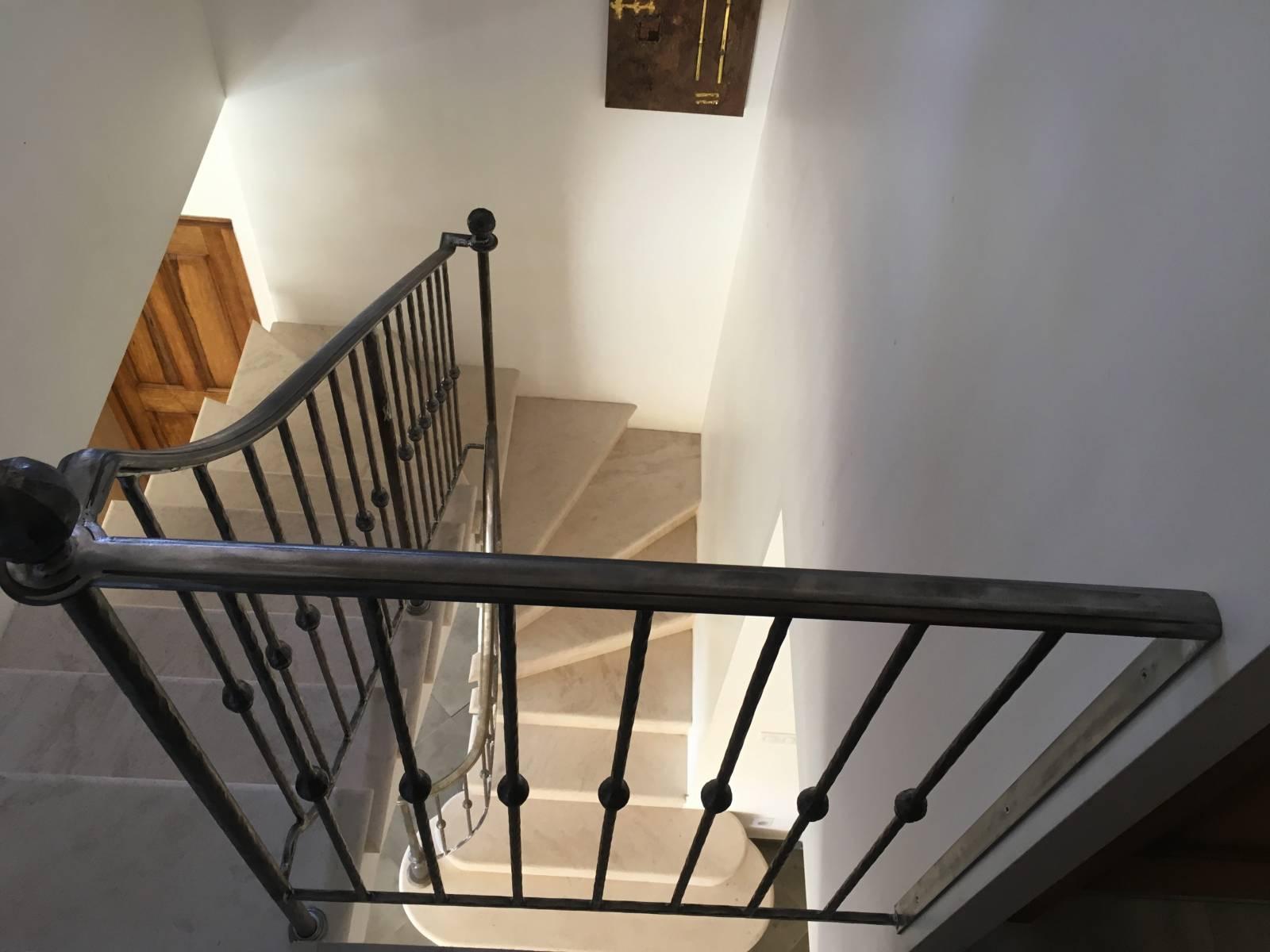 rampe d 39 escalier d biallard e ferronnerie devey. Black Bedroom Furniture Sets. Home Design Ideas