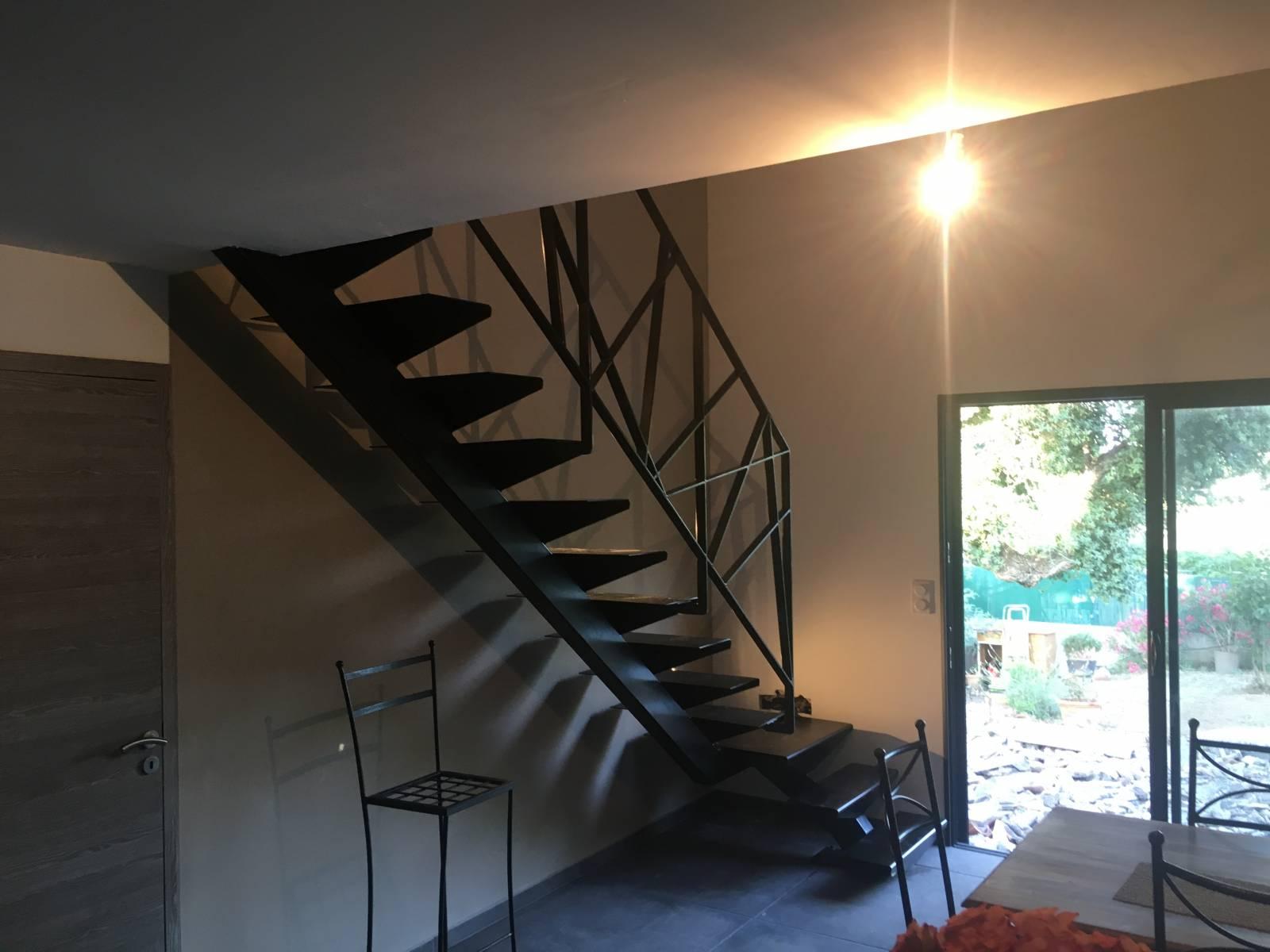 Fabrication Sur Mesure Et Pose D Un Escalier Et D Un Garde