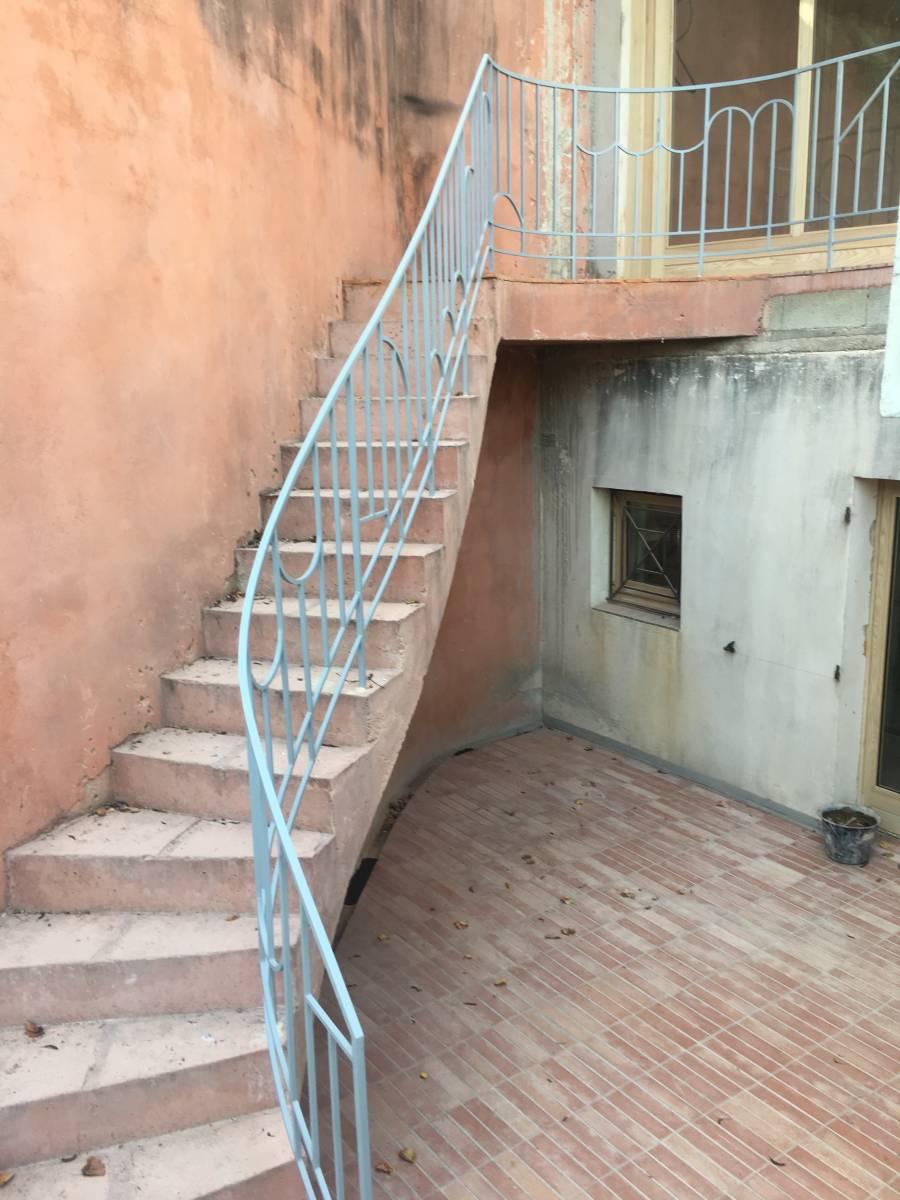 Fabrication Sur Mesure Et Pose D Une Rampe D Escalier